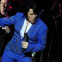 One-night-of-elvis-lee-memphis-king-1478557355