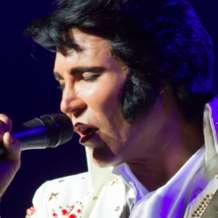Gordon-hendricks-as-elvis-1526201432