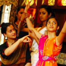 Classical-bollywood-dance-classes-with-sonia-sabri-1548967816