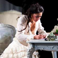 Welsh-national-opera-la-traviata