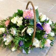 Floral-basket-arrangement-free-workshop-1558095707