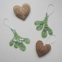 Machine-embroidery-mistletoe-and-gingerbread-decorations-1536685702