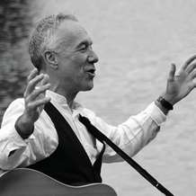 Political-songwriting-workshop-with-ray-hearne-1506283936