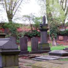 Themed-cemetery-tours-1503566959