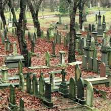 Tours-of-key-hill-cemetery-1576695330