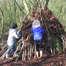Winter-den-building-1552310866