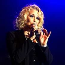 Kim-wilde-s-christmas-party-1368821178