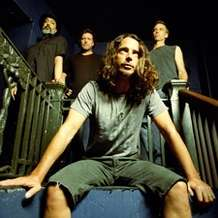 Soundgarden-graveyard-1369476850