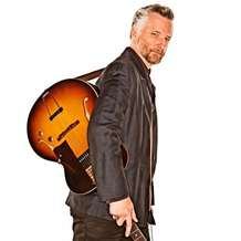 Billy-bragg-tooth-nail-tour-1361612634