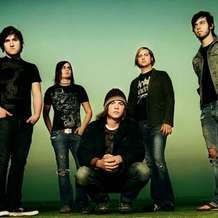 The-red-jumpsuit-apparatus-hawthorne-heights