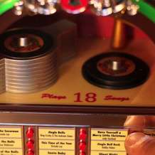 Santa-s-jukebox-1480541661