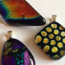 Fused-glass-jewellery-1523626520